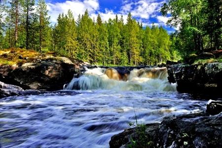 3 день: свободный день или «Вулкан Гирвас - водопад Кивач - Шунгитовый центр»